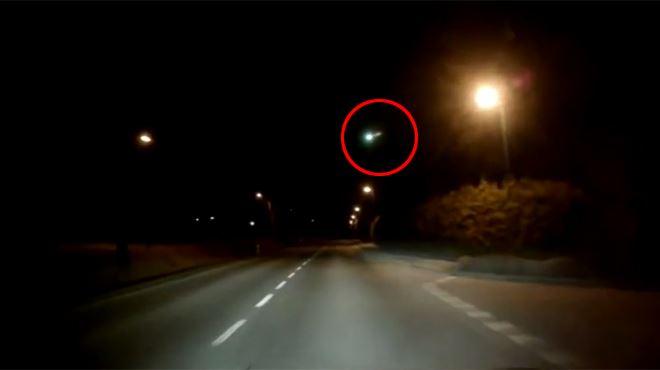 Une énorme boule de feu traverse le ciel européen, de nombreux vidéastes amateurs ont filmé la scène (vidéo) 120