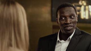 Omar Sy, plus classe que Georges Clooney?  L'acteur dans une publicité pour une boisson gazeuse (vidéo) 116