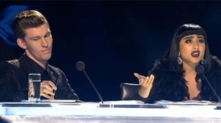 Deux jurés de X-Factor s'en prennent méchamment à un candidat et se font virer! (vidéo) 118