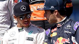 Hamilton, très remonté, tacle sèchement Red Bull 16
