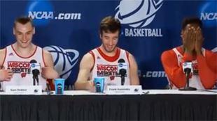 Hilarant- un basketteur mort de honte après avoir fait une bêtise en conférence de presse (vidéo) 16
