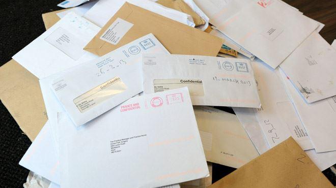 Le facteur gardait chez lui plus de 7.000 lettres jamais délivrées- On ne sait pas pourquoi il le faisait 6