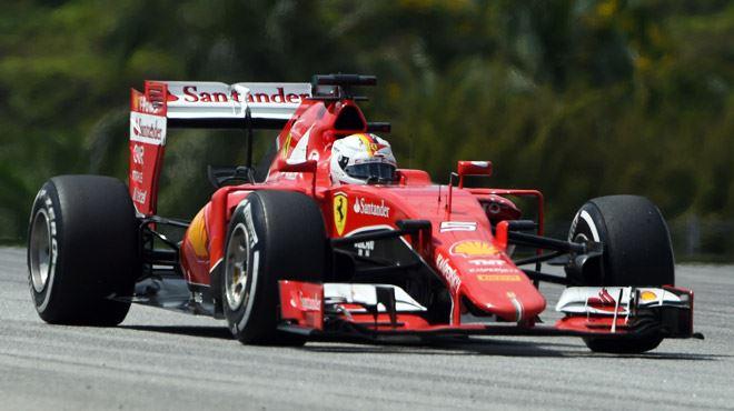 MAGNIFIQUE- Sebastian Vettel roule les Mercedes dans la farine en Malaisie 5