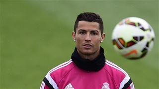 Nouveau look- Cristiano Ronaldo ne ressemble désormais plus à ça... (photos) 19