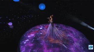 La magnifique robe de Jennifer Lopez prend vie (vidéo) 23
