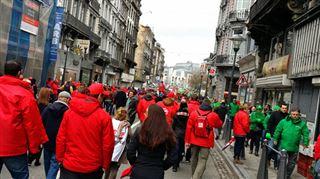 Environ 15.000 manifestants dans les rues en Wallonie- Le gouvernement prend les travailleurs pour une bande de cons 6