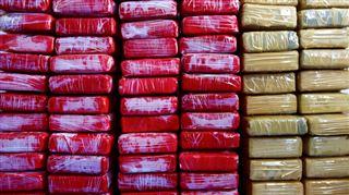 Prise spectaculaire au large des Antilles françaises- les autorités ont saisi plus de 2 tonnes de cocaïne 5