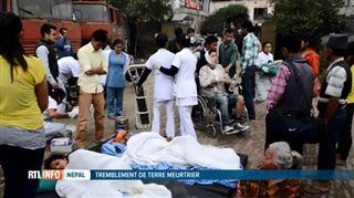 Enorme séisme au Népal- un ministre parle de 4.500 morts et 45.000 blessés 3
