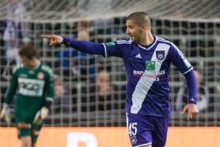 Anderlecht se relance dans la course au titre en étrillant Courtrai 5