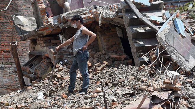 Séisme au Népal- deux Belges emmenés à l'hôpital, l'un d'entre eux peut-être gravement blessé 1