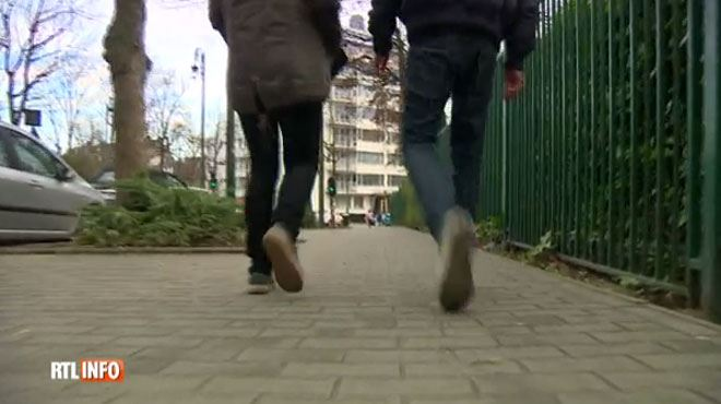 Plusieurs ados rackettaient des écoliers à Liège- La première des techniques est de donner ce qu'ils demandent 1