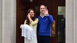 Royal baby- Kate et William présentent leur fille au monde entier (vidéo) 4