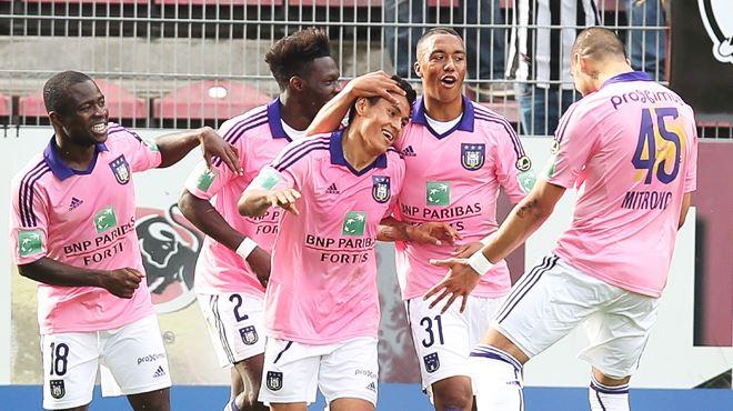 Anderlecht peut encore rêver du titre grâce à une petite victoire à Charleroi 1