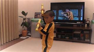 Cet enfant de 5 ans imite Bruce Lee à la perfection (vidéo) 3