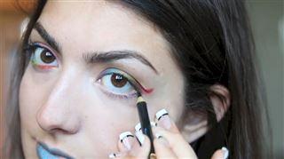 La nouvelle tendance des blogueuses est le maquillage aux Crayola- mauvaise idée! (vidéo) 7