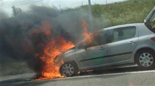 Gros dégagement de fumée sur la E40- une voiture est en feu à Jodoigne 4