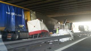 Grave accident sur la E17 près de Mouscron- un mort et plusieurs blessés, la chaussée fermée 5