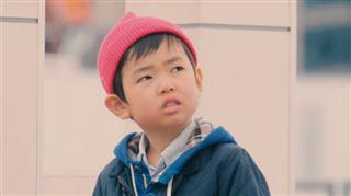 Que vont faire ces enfants en voyant des inconnus perdre leur portefeuille devant eux ? 7