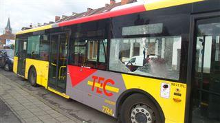 Jumet- plusieurs individus attaquent un bus à la barre de fer 3
