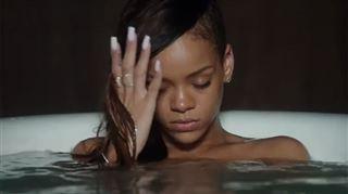 Rihanna est beaucoup moins sexy sans musique- la preuve dans cette version du clip stay (vidéo) 7