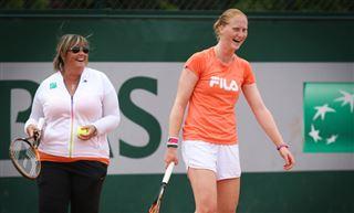 Van Uytvanck continue son superbe parcours et se retrouve en 1/8 de finale de Roland-Garros! 2