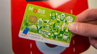 La vieille carte en papier de la STIB disparaît- il faut se munir d'une Mobib 2