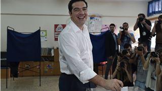 Détendu, Alexis Tsipras a voté au référendum Grec- Aujourd'hui est un jour de fête et de joie (photos) 3