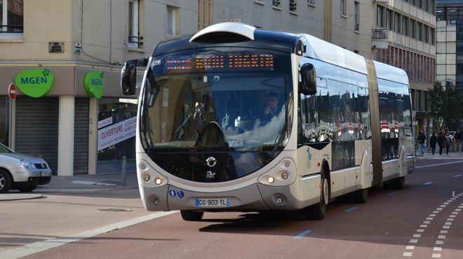 France- en plein trajet, une conductrice de bus secourt un bébé entre la vie et la mort 1