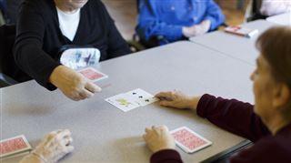 Mouscron- 2 jeunes jouent aux cartes avec un vieil homme avant de le tabasser, ils iront en IPPJ 4