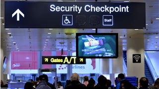 Le personnel de sécurité de Brussels Airport mènera une grève du zèle lundi- Des dizaines de voyageurs sans tickets ont passé les portiques 2