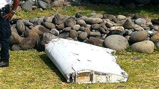 Enigme du vol MH370- le débris d'avion vient très probablement d'un Boeing 777 2