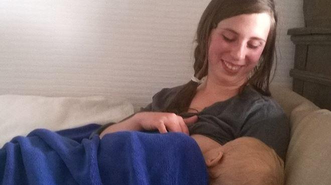 Amélie humiliée pour avoir allaité son bébé au Bois des Rêves- si on laisse faire, une femme aura aussi le droit de faire une fellation à son mari 1
