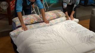 L'incroyable astuce pour enfiler votre couette dans vos draps de lit en une minute seulement ! (vidéo) 12