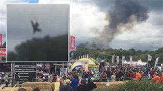 Un avion s'écrase en plein festival pour la bonne cause (photos et vidéo) 5