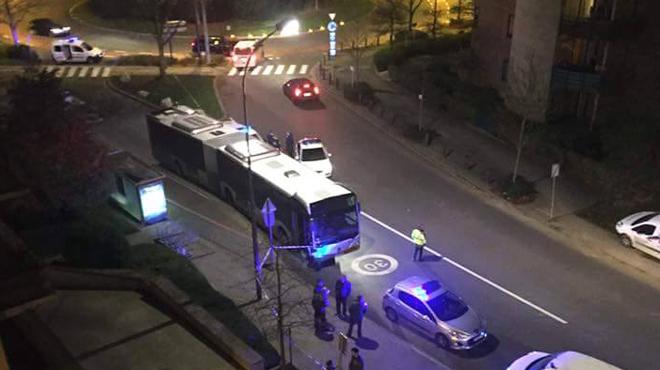 Frayeur à Bruxelles: une balle perdue touche un bus de la STIB