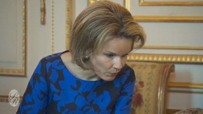 La reine Mathilde s'apprête à lire une histoire à des enfants quand soudain... (vidéo) 1