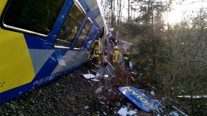 Deux trains se percutent en Allemagne- plusieurs morts, une centaine de blessés 1