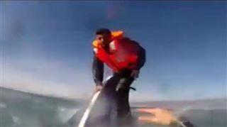 Images spectaculaires du sauvetage d'un réfugié syrien (vidéo) 5